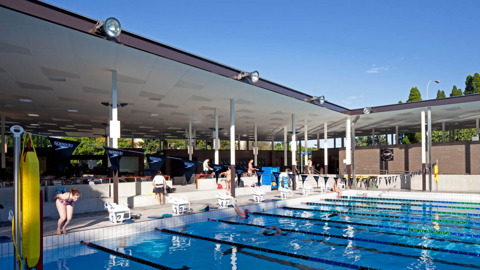 University of queensland aquatic centre david theile for Pool design queensland